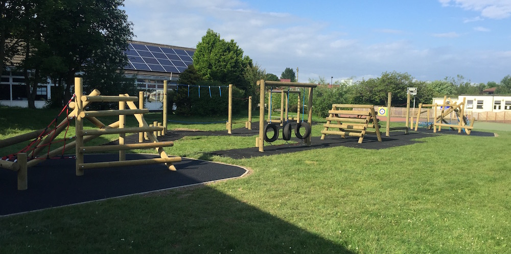 Farne Primary School, Newcastle upon Tyne new playground equipment