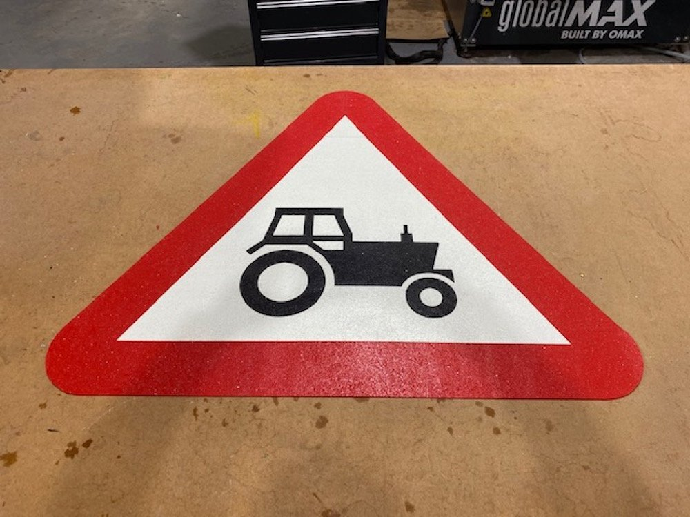 Tractor-Triangle